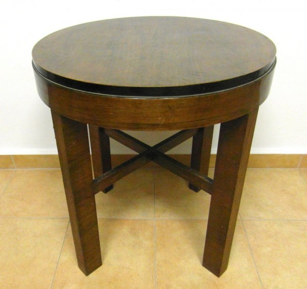 regi-asztal
