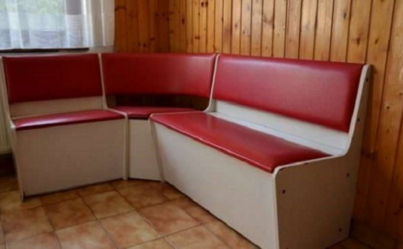 A retró konyhák jellegzetes bútora volt ez a konyhai sarokpad